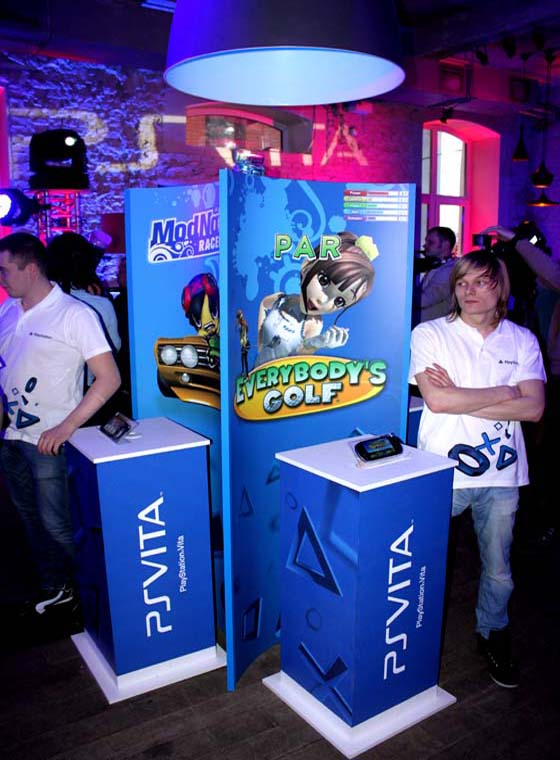 7 PlayStation Vita at the start