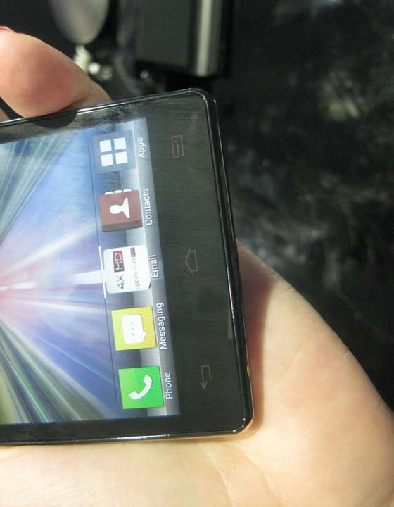 a20 [MWC 2012] Quad LG Optimus 4X HD A Closer Look