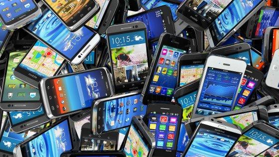 Мировые поставки телефонов втретьем квартале увеличились на7.7%: лидирует Самсунг