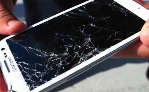 Мерцание дисплея можно ли вернуть смартфон этой вспышки