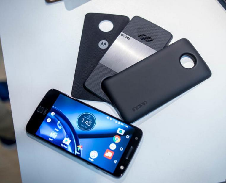 Старт предзаказов на Moto Z, Moto Z Play и Moto Mods в России