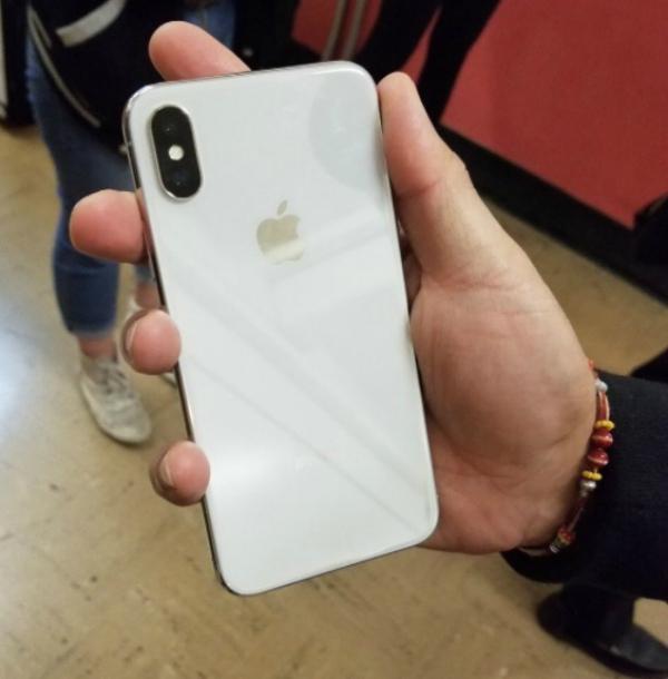 Прошлый работник Apple протестировал смартфон iPhone X