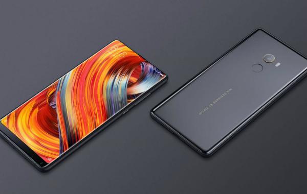 Xiaomi MiMix 2S имеет вэкране сканер отпечатка пальцев