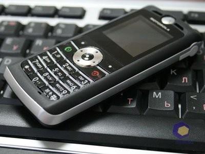 Обзор Motorola W218
