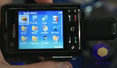 Nokia 3250 на выставке Symbian Expo 2005