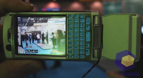 Sony Ericsson P990i на выставке Symbian Expo 2005